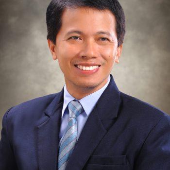 Dr. Roberto Cabardo